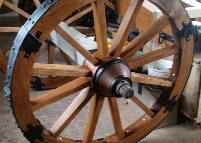 straked-cannon-wheel-wooden-axle
